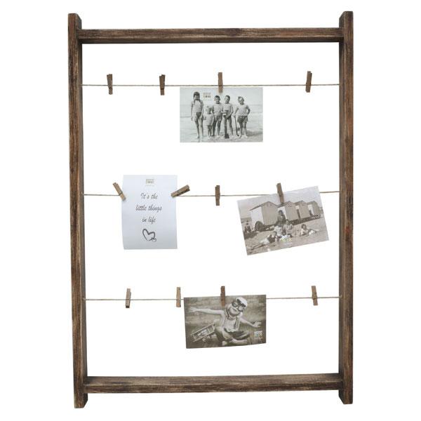Bildhalter aus braunem Holz mit Wäscheklammern