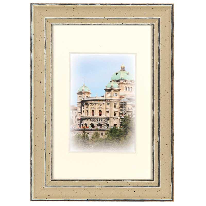 Holz-Bilderrahmen Capital Bern mit Passepartout 24x30 cm (15x20 cm)   Gold   Normalglas